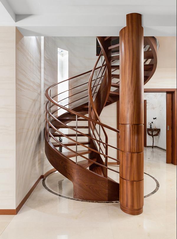 Лестница элемент интерьера